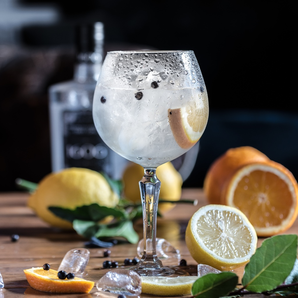 cornish gin and drinks festival 2019 eat drink seek. Black Bedroom Furniture Sets. Home Design Ideas