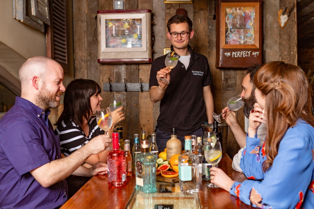 Gin Lovers Masterclass With 08150135